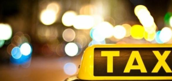 Vou de taxi ou de carona?