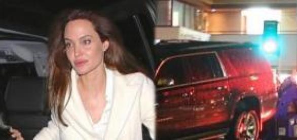 Angelina Jolie sufre un leve accidente de tráfico.