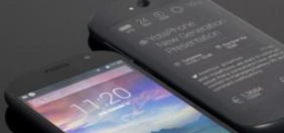 Este es el YotaPhone 2, elegancia en un smartphone