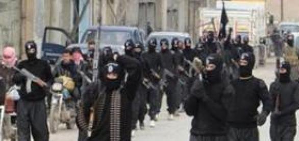 Grupos organizados con bandera del ISIS
