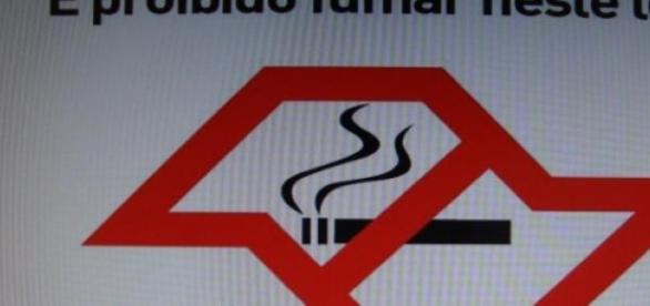 Lei Antifumo proíbe locais próprios para fumantes.