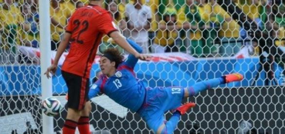 Ochoa pide más oportunidades de ser titular