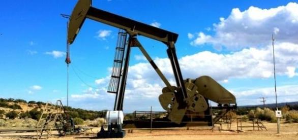 Petróleo em queda nos mercados internacionais