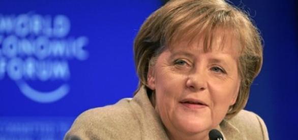 Angela Merkel invita l'Italia a fare le riforme