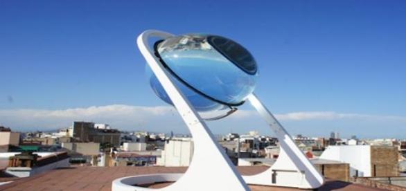 Esfera transparente de energia renovable