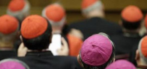 Encuentran millones de euros en el Vaticano