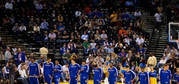 Golden State Warriors lideram Conferência Oeste.