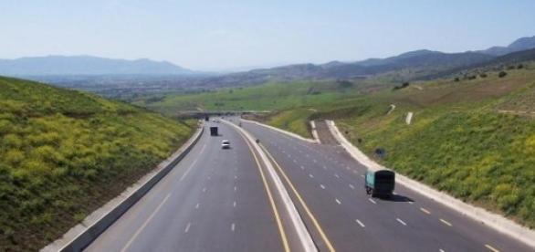 L'autoroute, un drôle d'endroit pour accoucher...