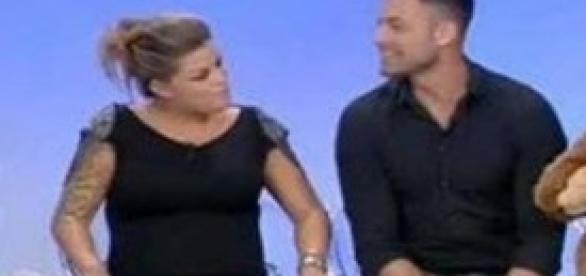 Uomini e donne eugenio colombo ha rimandato la data del for Anelli di fidanzamento famosi