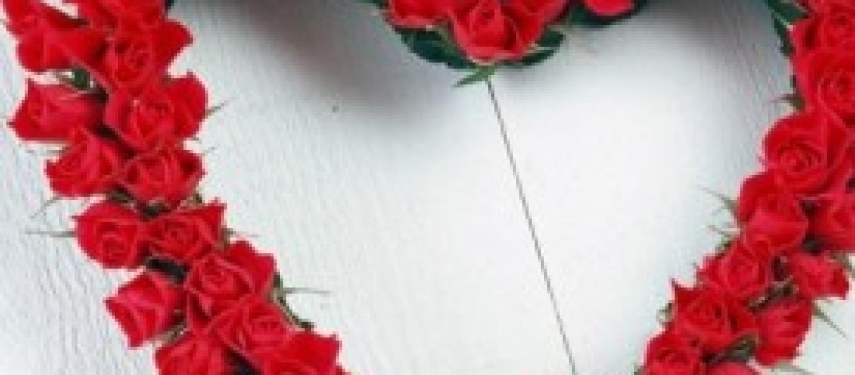 San valentino 2014 idee regalo sms frasi d 39 amore siti for Siti di regali