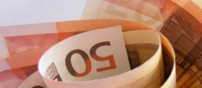 Conferenza Renzi: fino a 1000 euro in più in busta paga