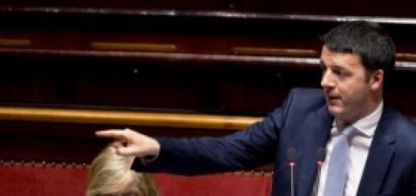 Renzi doma il Senato sulle Province.