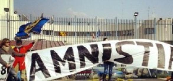 Amnistia e indulto, protesta radicali a Firenze