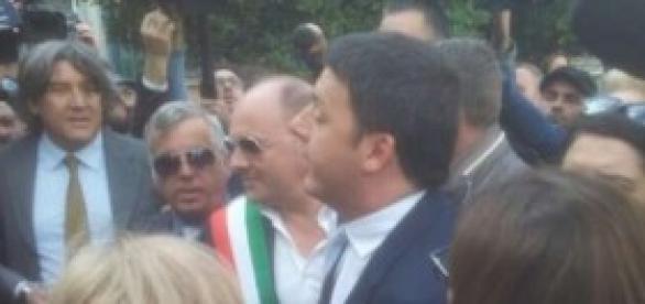 Renzi incontra i bimbi della scuola Parini