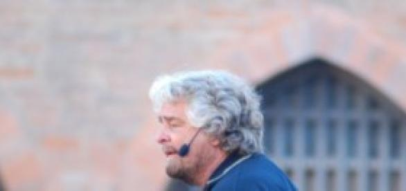 Grillo e Renzi, orari tv ultimi comizi
