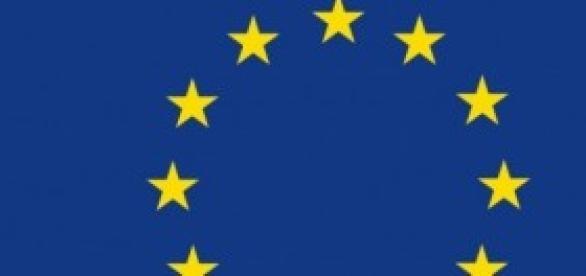 Nella foto, la bandiera dell'UE.