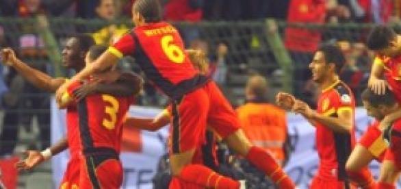 Selección belga celebrando un tanto.