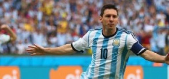 Messi autor de dos goles en el partido de ayer