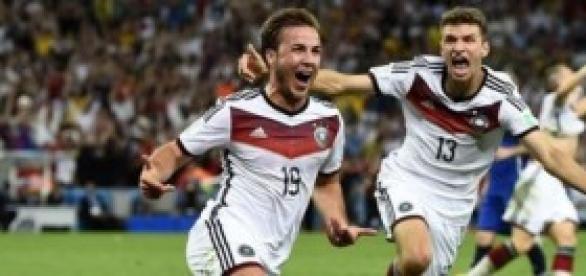 Mario Götze celebra el gol de la finalisima.