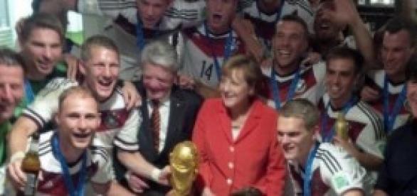 Merkel e a seleção na comemoração no Rio!(G1)