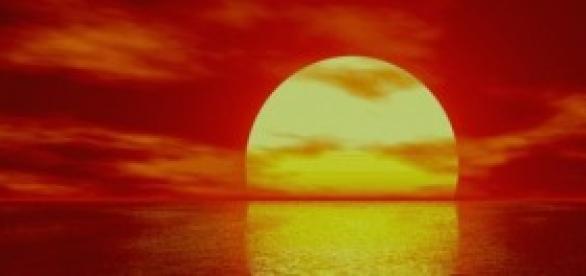 Foto do pôr-do-sol alaranjado.