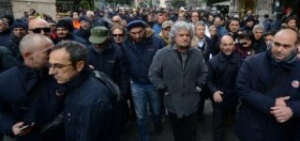 'Indulto Renzi', Beppe Grillo vs 'svuotacarceri'