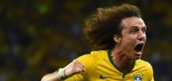 David Luiz celebrates goal against Colombia
