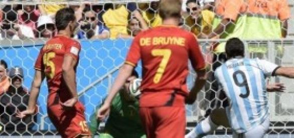 Higuaín autor del gol de Argentina