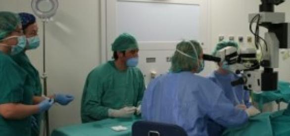 Intervención quirúrgica en hospital