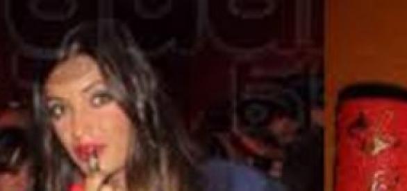 Sara Carbonero usando el labial rojo marroquí