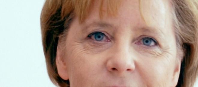 A chanceler da Alemanha Angela Merkel obteve bons resultados nas sondagens, cotando-se como uma das mais populares líderes em sondagens da história do seu país e também no político mais popular internamente da actualidade.