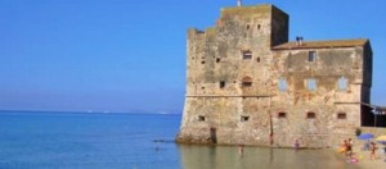 Torre mozza fra leggenda e verit una spiaggia for Costruire una torre di osservazione