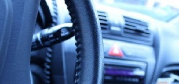 Una manera de disminuir los riesgos al volante