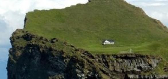 Única casa de la isla de Ellidaey (Islandia)