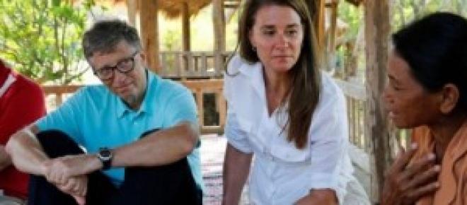 Bill Gates visitando una de sus misiones