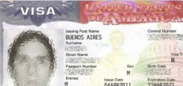 Passaporte com etiqueta de visto americano