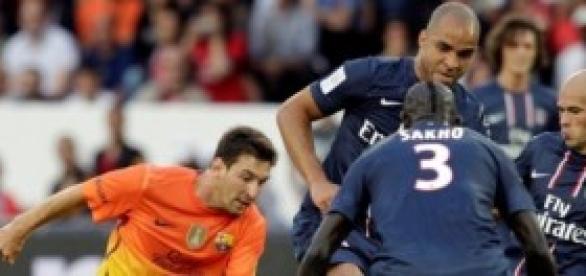 Messi ante tres rivales. Foto: porinsurgentes.com