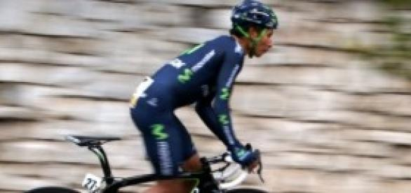 Nairo Quintana sobre su bicicleta.