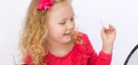 Maquiagens infantis estão liberadas aos 7 anos
