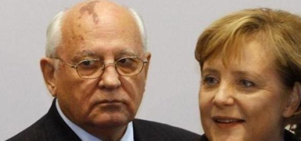 Mikhael Gorbatchev et Angela Merkel