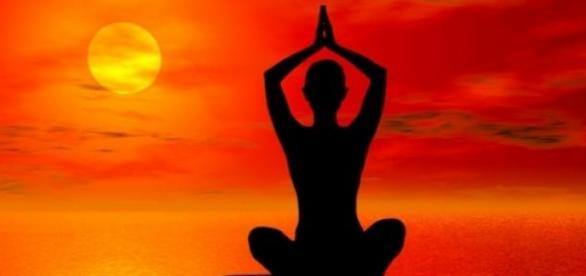 pozitii de yoga si pentru oameni inflexibili