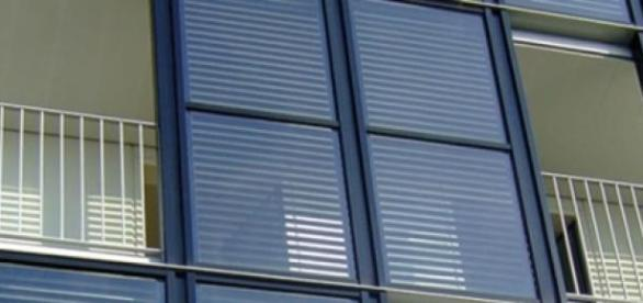 La fenêtre «s'opaquera» en stoppant la lumière.