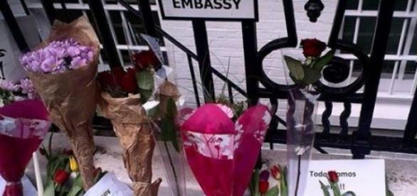 Manifestación por Irene, ante  Embajada española