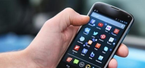 Offerte internet mobile: Tim, Tre e Tiscali, confronto promozioni ...