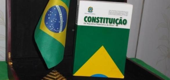 Senado brasileiro disponibiliza livros gratuitos