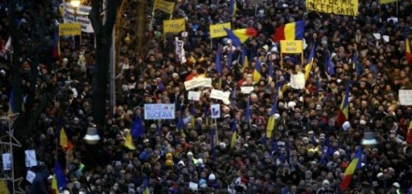societatea romaneasca este activa