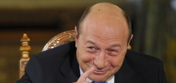 trezirea unei natiuni, Basescu presedinte