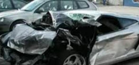 Masina distrusa in urma unui accident!