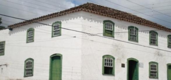 Solar do Almirante: prédio e Museu ameaçados.