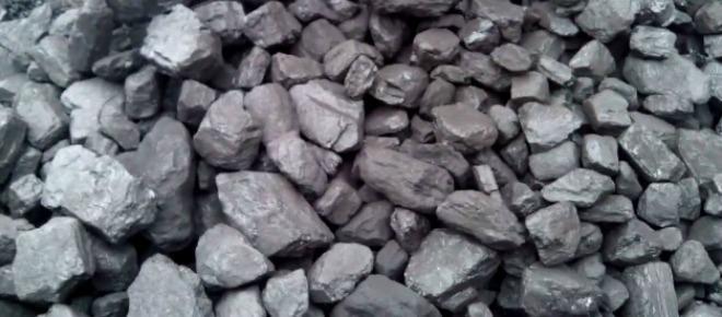 Kryzys w polskim górnictwie zażegnany: rząd zawarł z górnikami porozumienie w sprawie restrukturyzacji górnictwa w Polsce. Kopalnie pozostaną otwarte, ale czekają je duże zmiany. Tymczasem trwają dyskusje, ile tak naprawdę zarabiają górnicy.